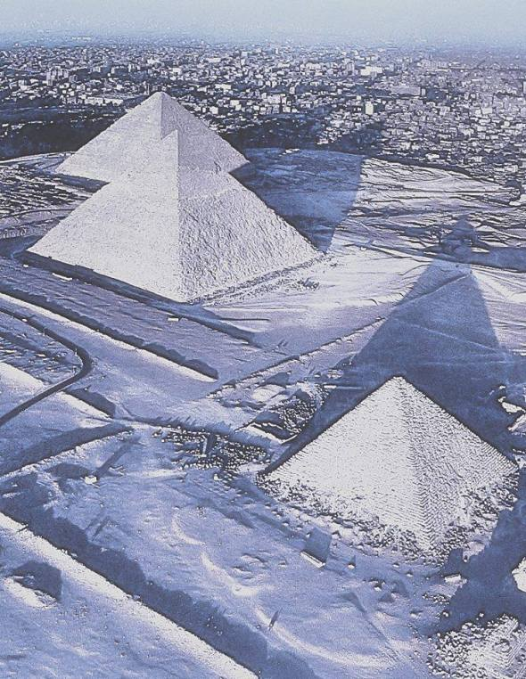 Snow at the Pyramids of Giza for the first time in 100 years.